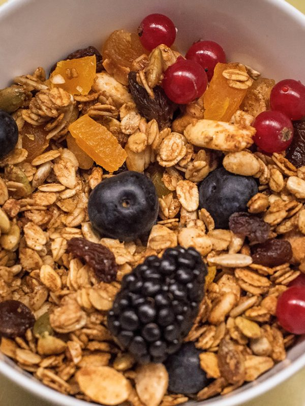 Cereals and fruits - Healthy breakfast