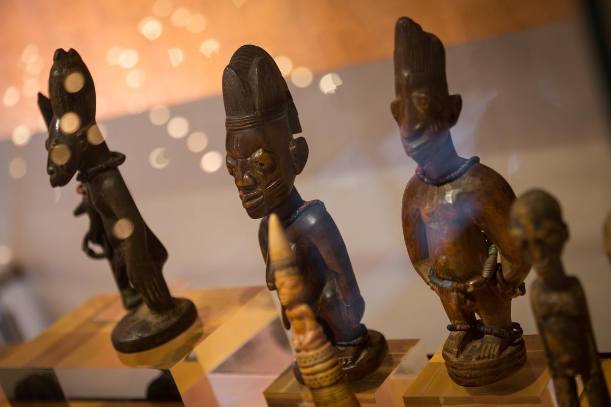African Art Figures - Hotel Balmes