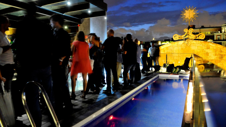 BG_night-rooftop