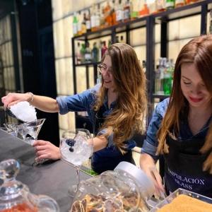 bartenders GlassMarHotel Urban Madrid love amour