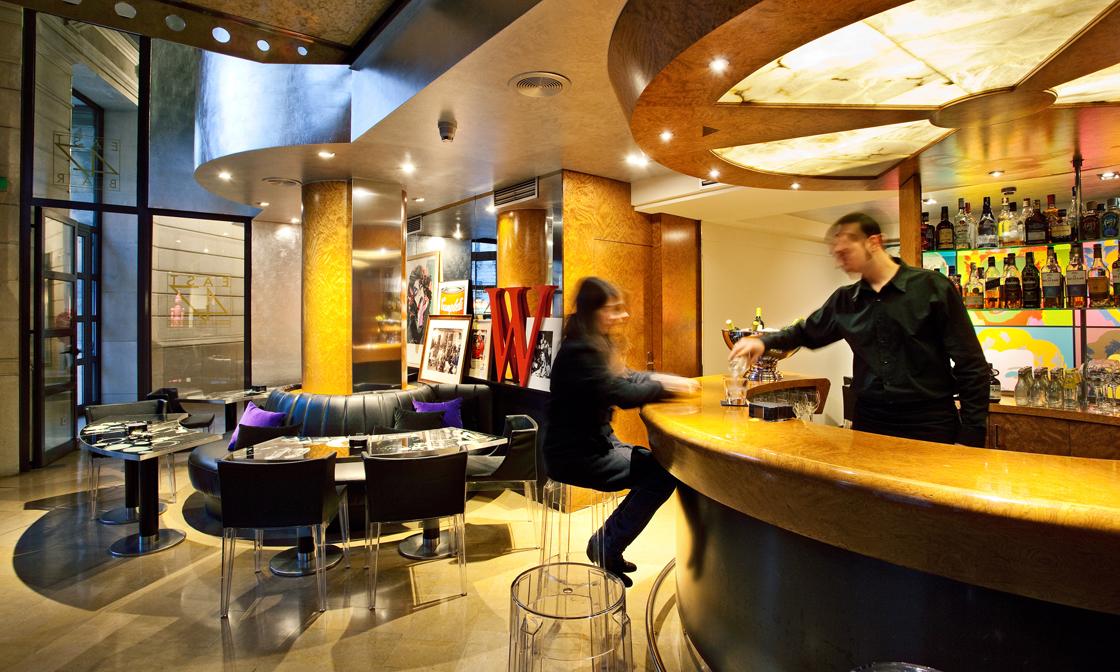 Bar Coctelería East 47 Hotel Claris