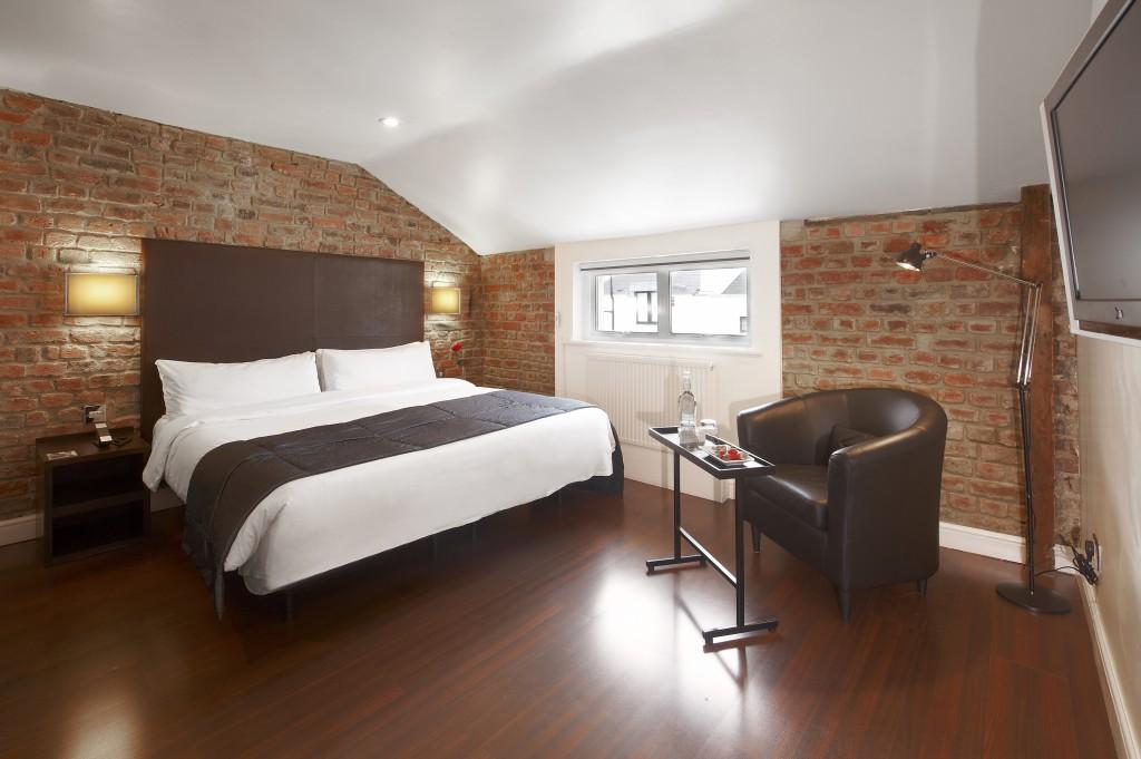 10 aniversario the caesar hotel derby hotels collection for Derby hotels collection