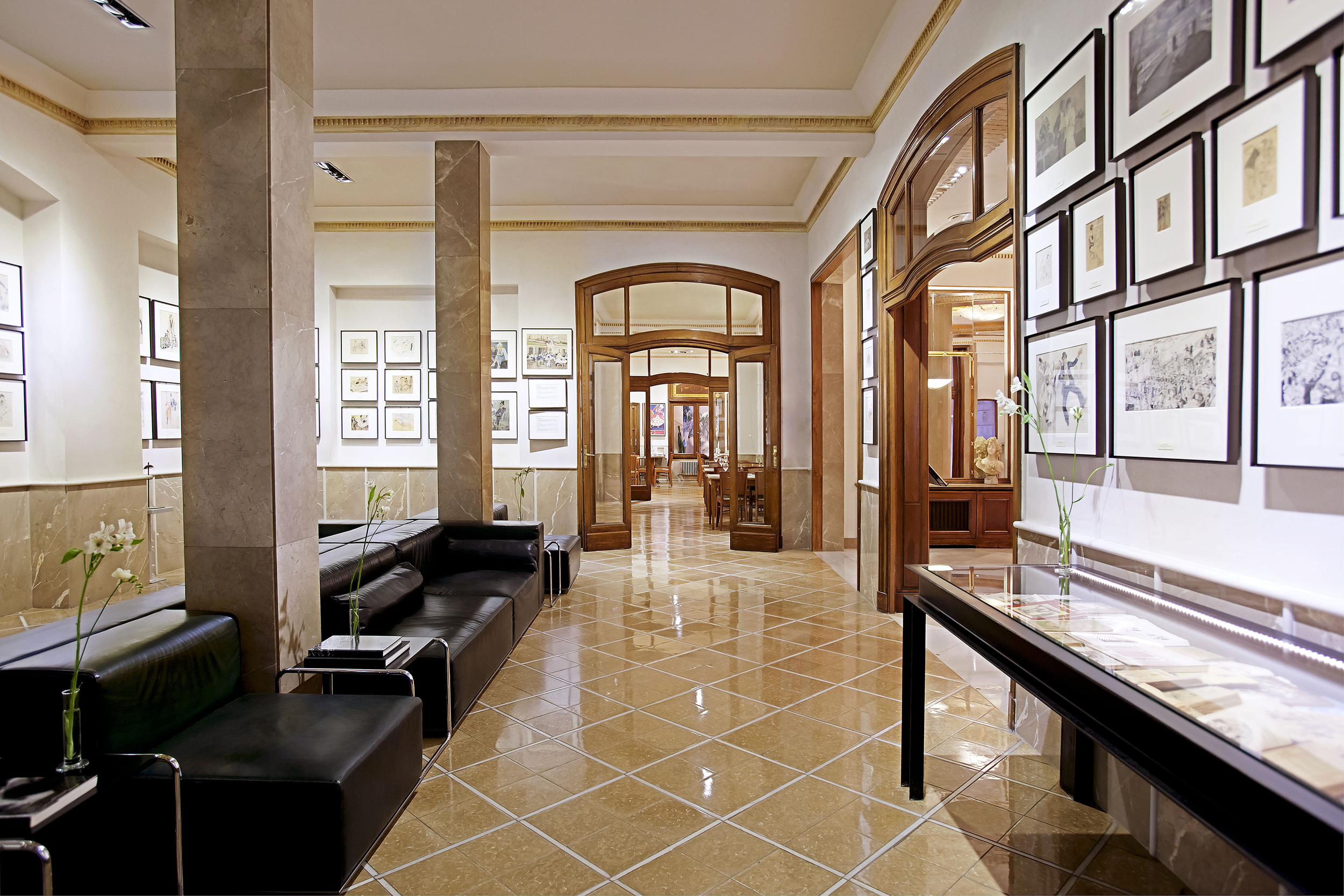 Astoria HallandLobby (2)