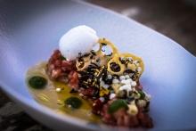 Tartar de ventresca de atún con ostras y matices orientales