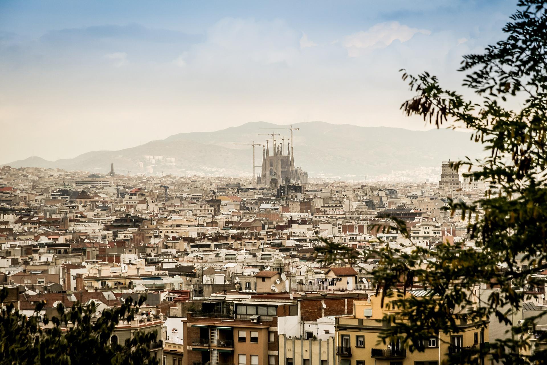 Vistas a Barcelona y a la Sagrada Familia