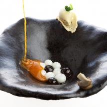Extremadura - Crema tibia de pimentón de la Vera, torta de la Serena, criadilla de monte y helado de amanita caesarea
