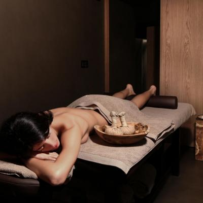 004 Massage room  Edit HR