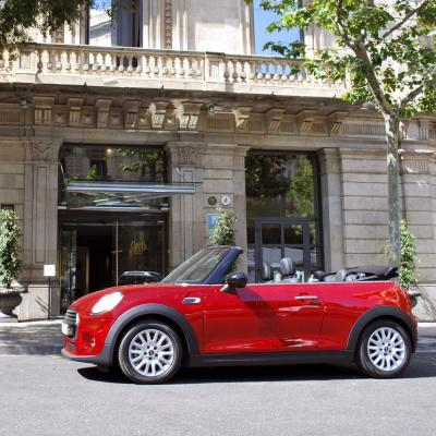 Stay & MINI Cabrio - Hotel Claris
