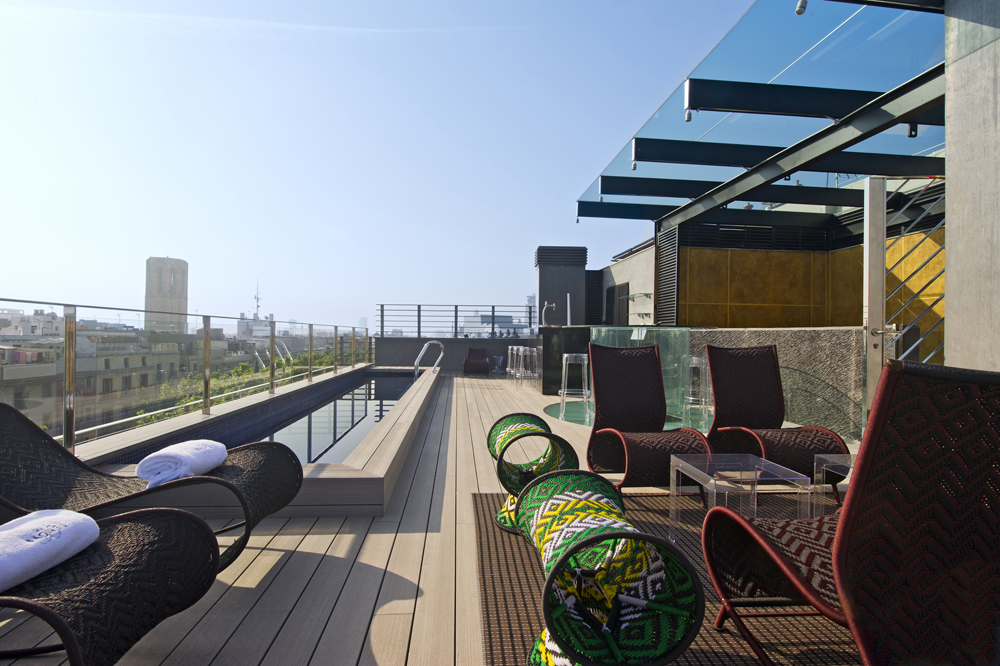 an oasis in the center of barcelona hotel claris gl barcelona
