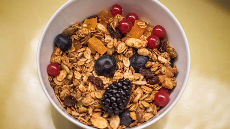 Cereales y fruta - Desayuno saludable Hotel Urban