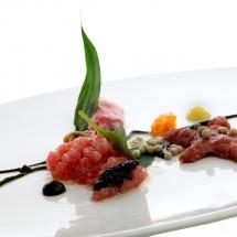 Ventresca de atún, ostras y caviar