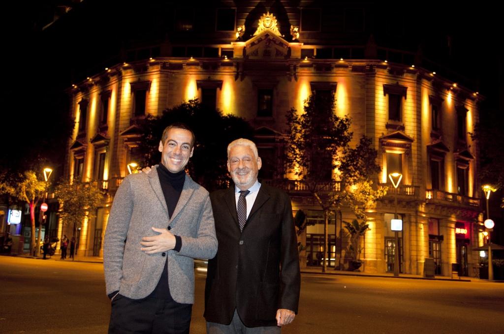 Derby Hotels Collection Joaquim Clos y Jordi Clos delante del Hotel & Spa Claris 5* GL