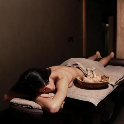 004 Massage room  Edit HR
